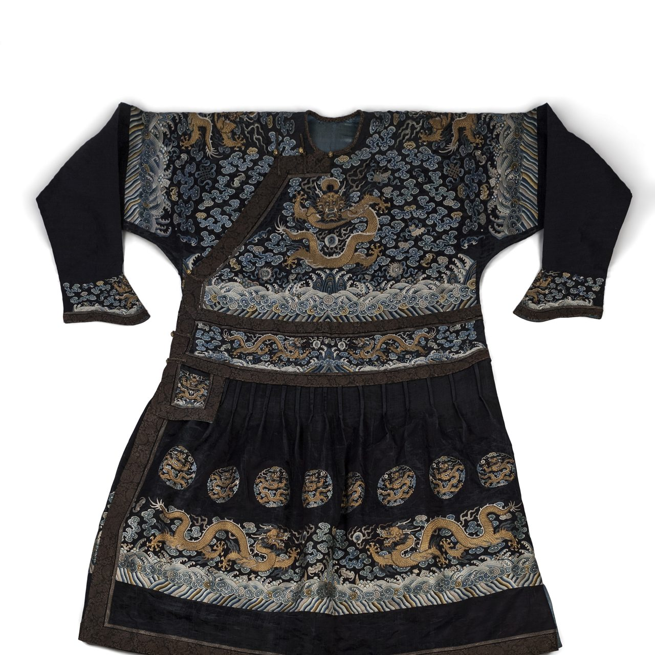 678374b8d Dragon Robe - 100 Objects That Made Kent
